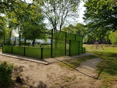 Spielplatz-Mittag an der Küpperstrasse: jeden Mittwochnachmittag  sind vor dort vor Ort